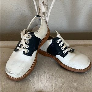 Vintage Jumping Jacks leather saddle shoes wht/blk